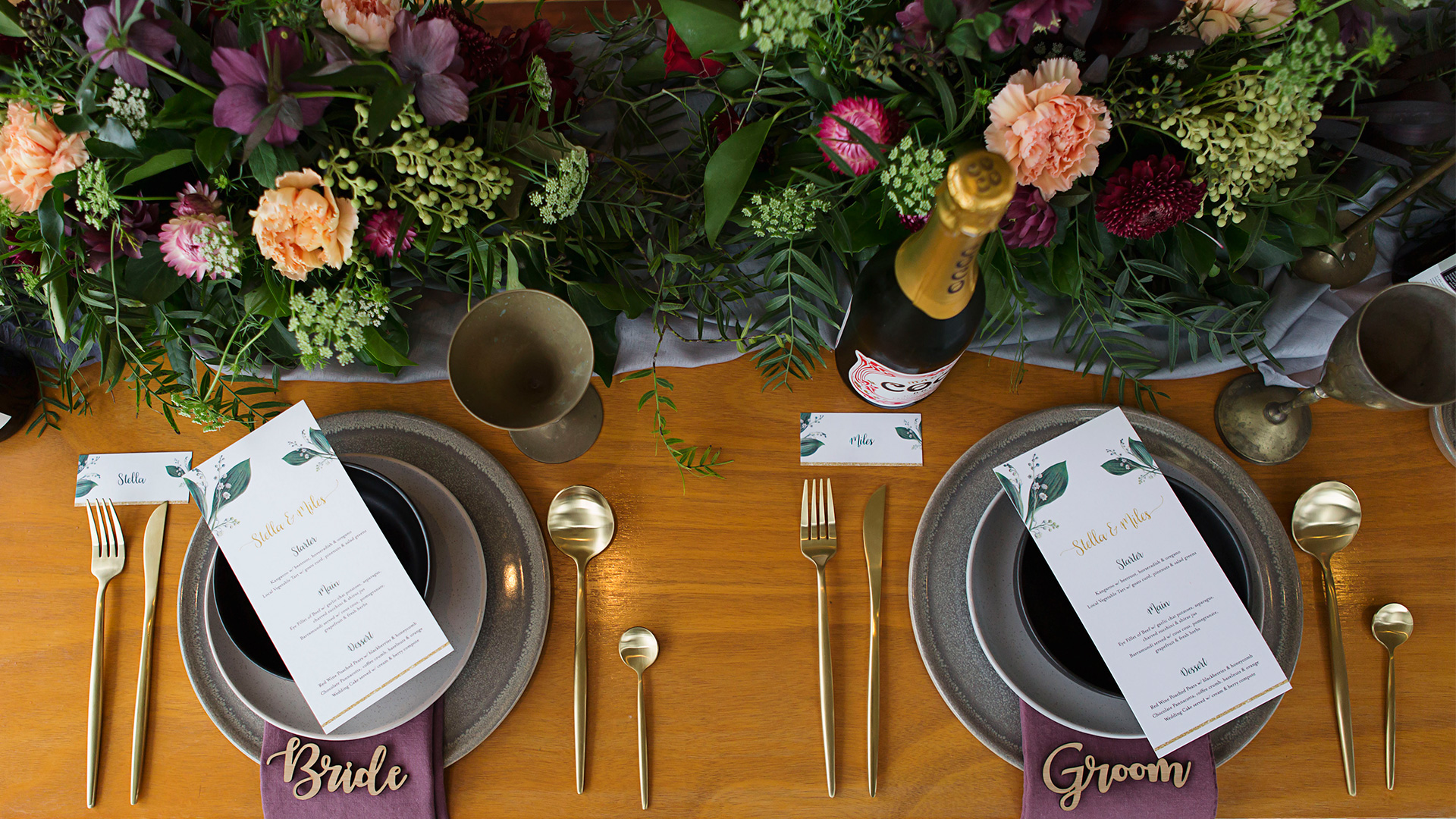 Little Red Fox Eatery wedding menu and place cards